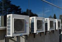 Czyszczenie klimatyzacji w domu w Warszawie - jak często trzeba to robić i komu zlecić usługi?