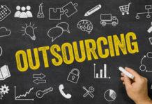 Czym jest outsourcing IT i czy warto z niego korzystać?