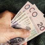 Czy bezpiecznie jest zaciągać kredyt gotówkowy przez Internet?