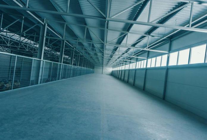 Modułowe hale stalowe – jakie zalety niesie ze sobą modułowość?